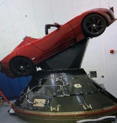 Tesla Roadster in its seat for the Falcon Heavy Spacex Falcon Heavy, Nasa Space Program, The Great Race, Air Space, Space Age, Tesla Roadster, Mission To Mars, Space Shuttle, Space Travel