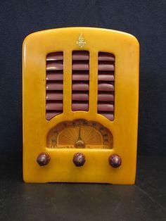 Emerson Bakelite Art Deco Radio.  Looks like it has shutters!