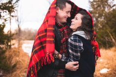 A Hot Chocolate & Plaid Themed Engagement www.deisyphotography.com/blog