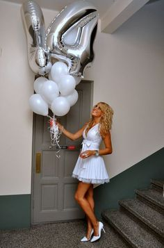 ..:: birthday outfit ::.. Love to have balloons like this except with the number 16.: