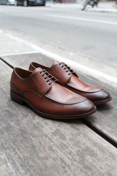 41705c6bbd Sapato Social Masculino Derby CNS+ Jeff em Couro Cor Whisky com sola de  couro e forro em couro. #sapato #sapatomasculino #sapatosocial #sapatoderby  #cns