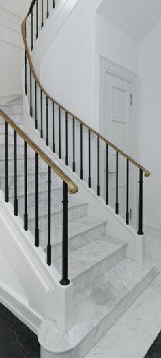 Marble stairs inside Villa J in Berlin Dahlem by Kahlfeldt Architekten.