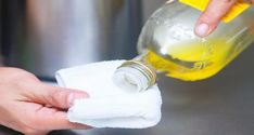 Save big dollars with these easy Stainless Steel Cleaner recipes and tips. Try the Vinegar Cleaner, Olive Oil cleaner or Salt for sinks and check out all our Kitchen Cleaner recipes! Cleaning Stainless Steel Appliances, Stainless Steel Cleaner, Diy Cleaning Products, Cleaning Solutions, Cleaning Hacks, Household Cleaners, Household Tips, Clean House, Planer