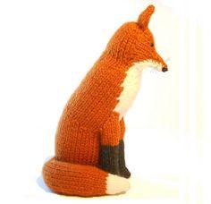 Red Fox Knitting pattern by Sara Elizabeth Kellner Fox Pattern, Pattern Ideas, Fox Pillow, Fox Toys, Blue Sky Fibers, Universal Yarn, Baby Scarf, Christmas Knitting Patterns, Plymouth Yarn