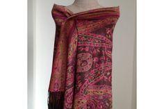 a3c3760ad1e0 37 meilleures images du tableau Châle en laine   Grey throw blanket ...