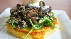 Mushroom Salad with Crispy Polenta warm mushroom salad with crispy polenta, i LOVE polenta. What a simple, yet elegant looking little dish.warm mushroom salad with crispy polenta, i LOVE polenta. What a simple, yet elegant looking little dish. Vegetarian Recipes, Cooking Recipes, Healthy Recipes, Food52 Recipes, Vegan Polenta Recipes, Salad Recipes, Crispy Polenta, Polenta Appetizer, Appetizers