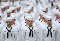 Men in their white Navy uniforms.or dress blues. Go Navy, Navy Mom, Navy Uniforms, Navy Boots, Vintage Sailor, Navy Life, Navy Military, Military Life, Navy Sailor