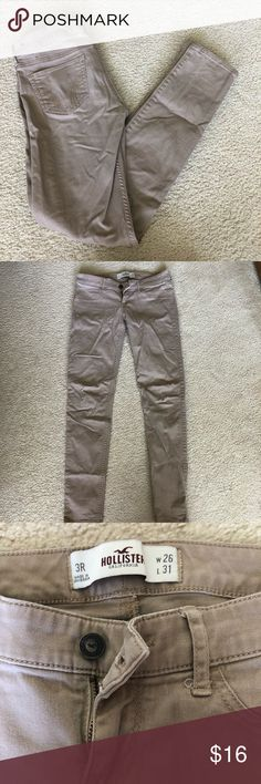 64cb0525814 HOLLISTER SKINNY KHAKI PANTS Great quality khaki pants from Hollister!!  Skinny legs with a