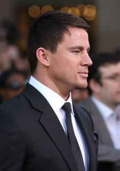 """Channing Tatum Photos Photos - Actor Channing Tatum arrived at the special screening of 'G.I. Joe: The Rise Of Cobra' held at Grauman's Chinese Theatre on August 6, 2009 in Los Angeles, California. - Special Screening Of """"G.I. Joe: The Rise Of Cobra"""" - Arrivals"""