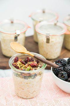 How To Make Oatmeal in Jars: One Week of Breakfast in 5 Minutes