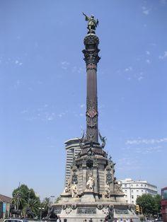 Aan het uiteinde van de Rambla staat het standbeeld van Columbus. De meeste kinderen vinden het erg amusant om met de lift binnen in dit reuzenstandbeeld naar de uitkijktoren helemaal bovenaan te gaan. http://bezoekbarcelona.blogspot.com/2010/08/standbeeld-van-columbus.html