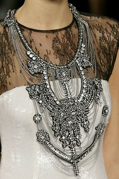 This is excellent...!!  {Long Necklaces Necklaces Long Necklaces glamour featured fashion}