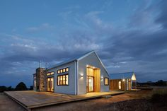 Corrugated steel gives durable act for countryside Australian house by Light…