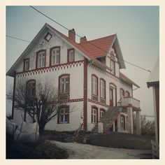 Bjørnsund Mansions, House Styles, Home Decor, Mansion Houses, Room Decor, Villas, Luxury Houses, Home Interior Design, Palaces