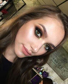 #tominamakeup#makeup#beauty#makeupartist#style#bride#bridalmakeup#wedding#weddingmakeup#eyemakeup#eye#макияж#визаж#визажист#hudabeauty #nophotoshop #smoky#smokyeyes#eyemakeup#blueeyes#strobing#цветноймакияж#цветноймакияжглаз#colorful#colormakeup#beautymakeup#fashionmakeup GorgeousDiana in our @tomina_studio.. Фото всё горизонтальнее зато взгляд в душу #nofilters #nophotoshop