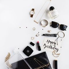 What's in your party bag? What's in your party bag? Flat Lay Photography, Jewelry Photography, Product Photography, Lifestyle Photography, Flat Lay Inspiration, Design Inspiration, Estilo Blogger, Clean Gold Jewelry, What In My Bag