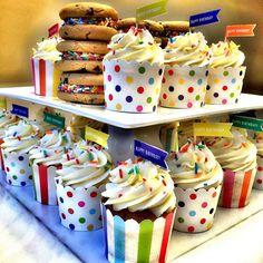 Birthday Cupcakes & Sandwich Cookies, bajo pedido en www.homebaked.com.co Granola, Sandwich Cookies, Birthday Cupcakes, Muffins, Baking, Breakfast, Inspiration, Food, Products