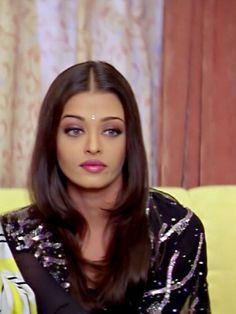 Actress Aishwarya Rai, Aishwarya Rai Bachchan, Bollywood Actress, Raveena Tandon Hot, Aishwarya Rai Pictures, Bollywood Girls, Married Woman, Brown Girl, Beauty Queens