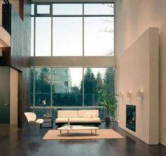 Ampliar Foto > El minimalismo privilegia los espacios altos, bien iluminados…