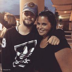 Jay e fã em Tustin, nos Estados Unidos. (17 mai.) https://instagram.com/p/2xYnkDLPPB/