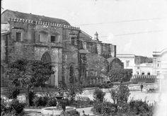 Vista de la Fachada Norte de La Catedral de Santo Domingo, Primada de America. En Primer plano el Parque Colón y la Desaparecida Calle Juan Barón que estaba entre la Catedral y el Parque. Ciudad Trujillo R.D 1938 SFMNEWS.COM: Imagenes historicas de SFM