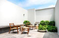 Algunas recámaras tienen un pequeño tapanco privado, que invita a la relajación y a disfrutar del sol. | Galería de fotos 14 de 27 | AD MX