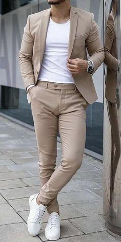 Suits And Sneakers, White Sneakers, Grey Suit Men, Modern Suit Men, Business Casual Suit, Best Casual Shirts, Black Men Street Fashion, Mens Fashion Suits, Mens Suits