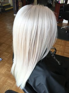 Ice Blonde Hair, Blonde Hair Looks, Platinum Hair Color, Colored Hair Tips, Hair Color And Cut, Bleached Hair, Dyed Hair, Hair Inspiration, Hair Makeup