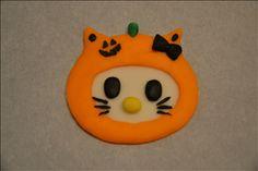 Hello Kitty in Pumpkin Mask Cupcake Topper