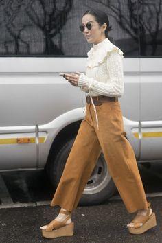 Pin for Later: Wie man auch als erwachsene Frau ganz einfach Rüschen tragen kann Als Pullover