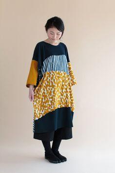 "2016 Fall Collection, ""Naginata"" tunic dresses comes in 7 patterns. Made of Takashima ""Chizimi"" cotton, woven in Shiga Prefecture, Japan. Modern Fashion, Boho Fashion, Fashion Looks, Diy Clothes, Clothes For Women, Mexican Dresses, Clothing Hacks, Japan Fashion, Mode Inspiration"