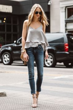 Simple Spring Outfits Style With Jeans 18 Estilo Fashion, Fashion Mode, Look Fashion, Teen Fashion, Casual Outfits For Teens, Classy Outfits, Gucci Soho, Looks Jeans, Fashion Jackson