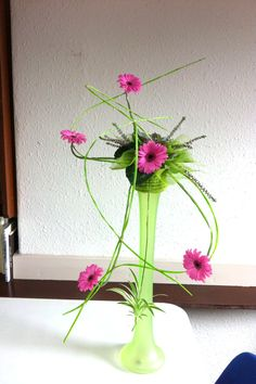 flower arrangements using space - Google Search
