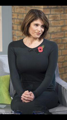 Gemma Arterton's great bob hair. Love the forest green dress too!