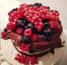 Die Bienenkönigin: Birthday Party-Weekend  Black Forest Style Cake