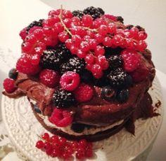 Die Bienenkönigin: Birthday Party-Weekend  Black Forest Style Cake