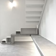 This industrial modern loft by Pinoni + Lazzarini has some ingenious design elements. The first item that caught my eye was the steel and concrete stairs. Staircase Handrail, Staircase Design, Modern Stairs, Modern Loft, Attic Stairs, House Stairs, Architecture Details, Interior Architecture, Interior Design
