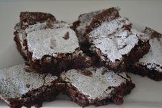 Brownies melcochudossss!!! – mycakepopsworld Brownies, Chicharrones, Desserts, Food, Deserts, Cake Brownies, Tailgate Desserts, Essen, Postres