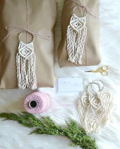 Regardez cette photo Instagram de @knotonomy • 56 J'aime Photo Instagram, Instagram Posts, Tassel Necklace, Tassels, Weaving, Photos, Christmas, Crafts, Yule