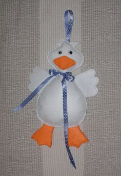 Márton napi Libuska (ajtódísz), Dekoráció, Ünnepi dekoráció, Varrás, Meska Diy And Crafts, Crafts For Kids, Diy Ostern, Easter Crafts, Baby Toys, Kindergarten, Christmas Ornaments, Holiday Decor, Handmade