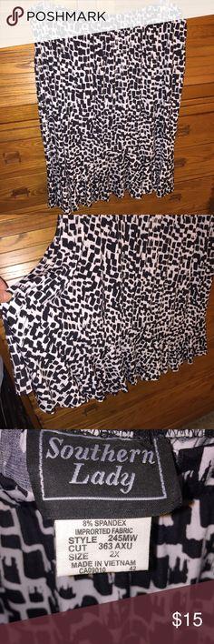 Plus sz Skirt NWT pretty Black and White block design Skirts Midi