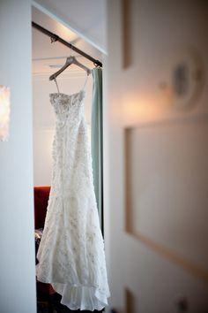 A jewel of a dress by http://www.moniquelhuillier.com/  Photography by nataschiawielink.com