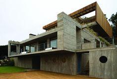 Einfamilienhaus mehrere Stockwerke Betonfassade