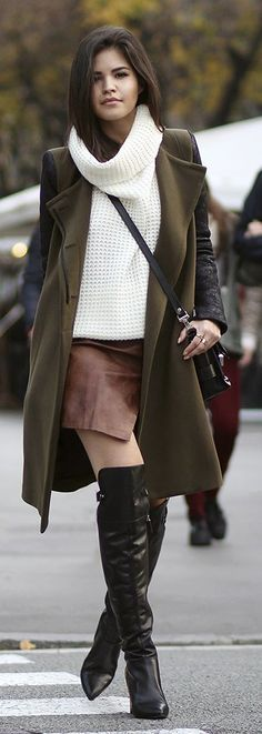 Urban Vogue Chic:                    ByBrent E. Wh...