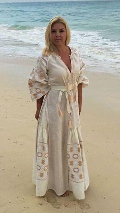 Плать из льна вышитое в пол - купить или заказать в интернет-магазине на Ярмарке Мастеров   Шикарное венчальное платье выполнено из…