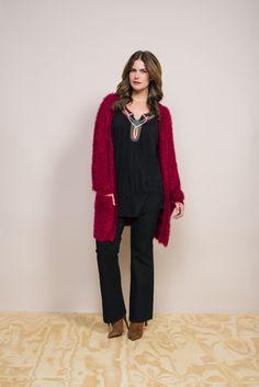 Folkloric trend |  Red Cardigan | Furry vest | Fashion | Plussize Fashion | Lang vest
