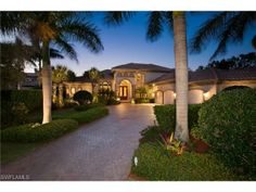 Waterfront estate home on Pirates Bight in Park Shore | Naples, Florida