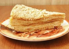 Napoleon cake Ingredients: Dough: 2 eggs, 150 ml of water, 300 g butter, tbsp vinegar salt on the tip of a knife, 600 g flour. Russian Desserts, Russian Recipes, Russian Foods, I Love Food, Good Food, Yummy Food, Napoleon Cake, Cake Ingredients, Sweet And Salty
