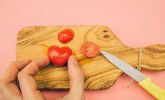 Pazar Kahvaltılarınız Şenlenecek: Adım Adım Kalp Şeklinde Domates