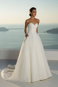 Justin Alexander - Style 88012: Strapless Lace Bodice and Organza Ball Gown